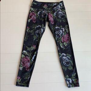 Lululemon Rose Print Full Length Legging Size 6